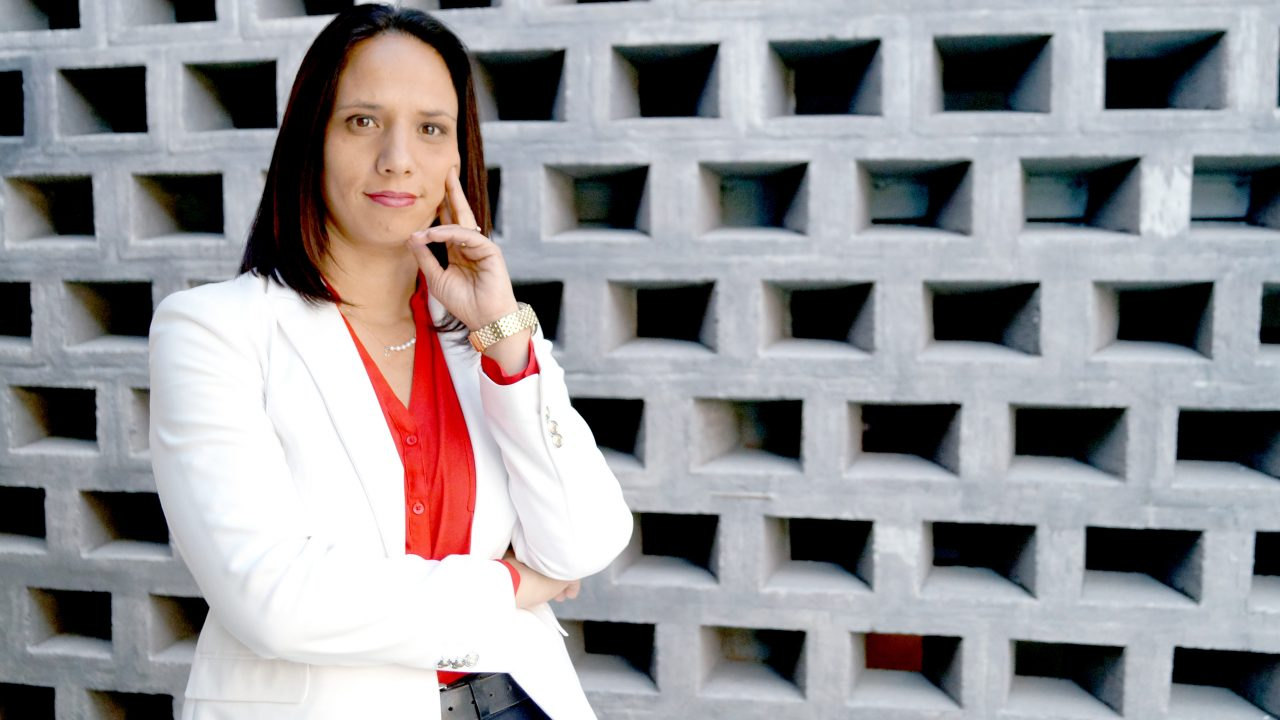 https://b8comunicacao.com.br/wp-content/uploads/2018/12/Veronica-Perez-diretora-Comercial-Industrial-Solutions-1280x720.jpg