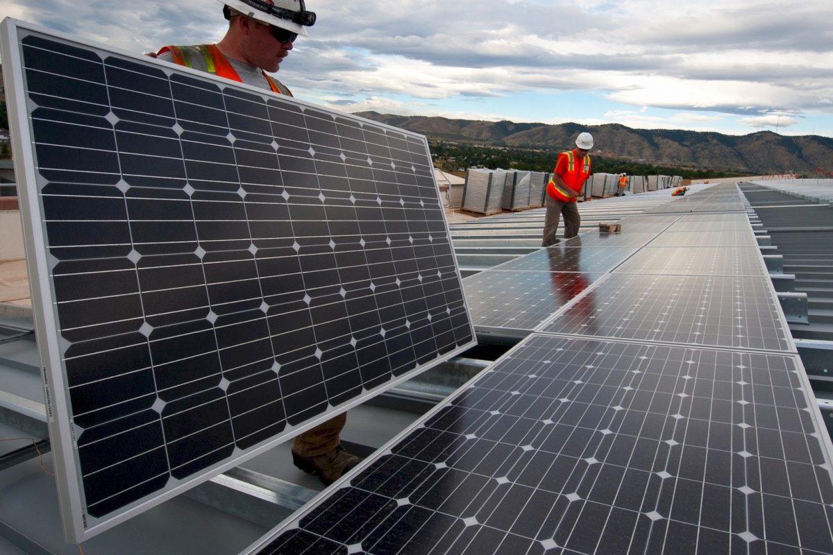 Energia solar fotovoltaica reduz gastos em mais de 80% de energia nas empresas