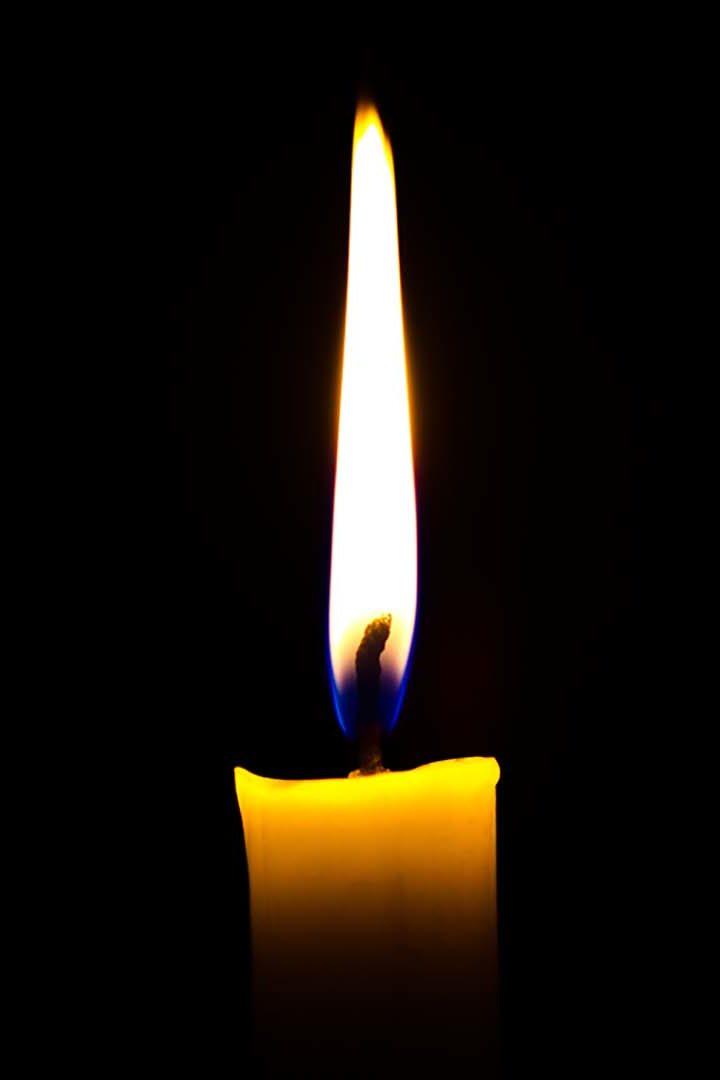 """""""É melhor acender uma vela do que amaldiçoar a escuridão"""""""